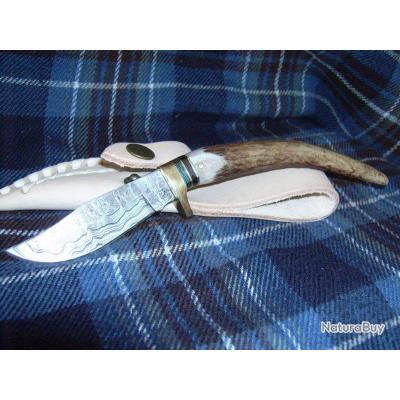 Couteau DAMAS et BOIS DE CERF DM1027