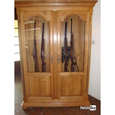 armoire pour armes de chasse coffres forts et armoires. Black Bedroom Furniture Sets. Home Design Ideas