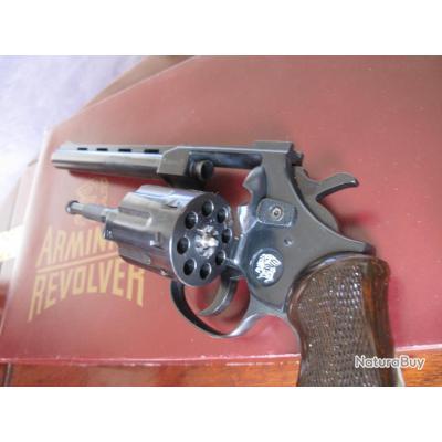 Pics photos armes d occasion revolver arminius hw 7 calibre 32 sw
