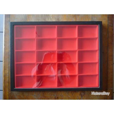 lot de 3 vitrines bo tes de rangement plateaux pour les. Black Bedroom Furniture Sets. Home Design Ideas