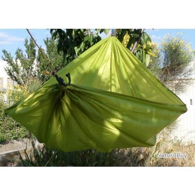 hamac toile de parachute couleur vert hamacs 1926256. Black Bedroom Furniture Sets. Home Design Ideas
