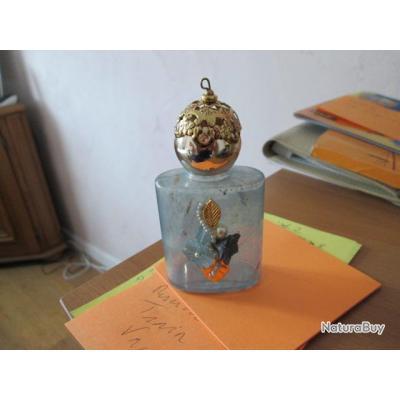 petite bouteille en verre ancienne vaisselle et verrerie 1970116. Black Bedroom Furniture Sets. Home Design Ideas