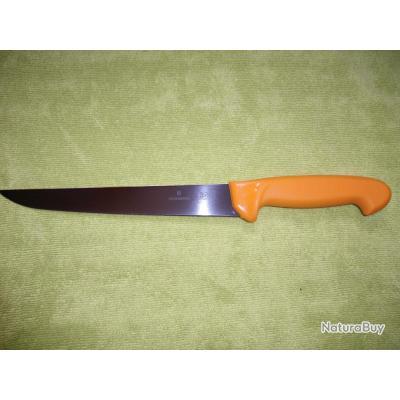 couteau de cuisine couteau lame 22 cm victorinox couteau d sosser saigner couteaux de. Black Bedroom Furniture Sets. Home Design Ideas