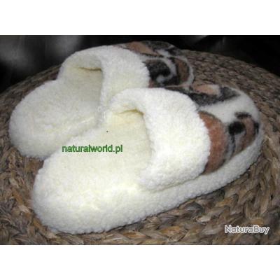chaussons en peau de mouton pointure 40 soldes chaussons 2295934. Black Bedroom Furniture Sets. Home Design Ideas