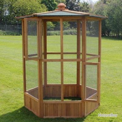 Voliere de jardin en bois cage oiseau geante neuf 13o for Voliere oiseau exterieur