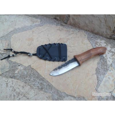 Offrez vous un beau couteau Artisanal avec son étui, piece unique !!!