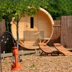 cabane sauna avec patio chauffage au bois saunas. Black Bedroom Furniture Sets. Home Design Ideas