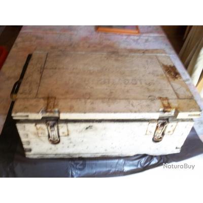 caisse a munition allemande ww2 peinte en blanc caisses munitions 3302862. Black Bedroom Furniture Sets. Home Design Ideas