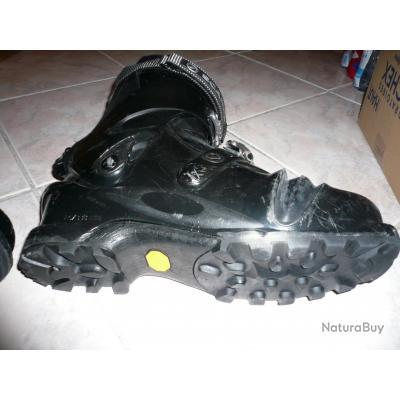 chaussures de ski / chaussure ski de montagne ou randonnée / chasseurs alpin t46 scarpa / armée