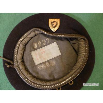 Béret du lycée militaire du PRYTANEE MILITAIRE avec insigne . Daté de 1978