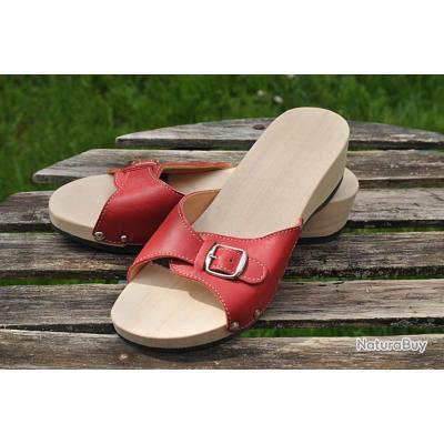 claquette veritable bois et cuir rouge avec semelle anatomique chaussures 3462604. Black Bedroom Furniture Sets. Home Design Ideas