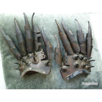 paire de gants main de fer ancien armes objet insolite xix me katanas 3468847. Black Bedroom Furniture Sets. Home Design Ideas