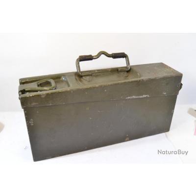 caisse militaire en fer allemande deuxi me guerre mondiale ou apr s guerre ww2 malettes et. Black Bedroom Furniture Sets. Home Design Ideas