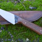Petit couteau de chasse artisanal lame 9cm, manche acacia d'Afrique équitable & étui cuir