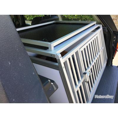 caisse transport chien neuve opti amenagement cages. Black Bedroom Furniture Sets. Home Design Ideas