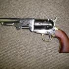 REVOLVER A POUDRE NOIR PIETTA MODEL 1851 NAVY YANK OLD MODEL CAL 44 CANON OCTOGONAL DE 5 POUCES