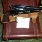 REVOLVER PIETTA MOD 1858 REMINGTON SHERIFF ACIER CAL 44 CANON OCTOGONAL  5 POUCES CROSSE QUADRILLEE