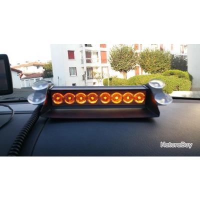 gyrophare orange pour tableau de bord v hicule accessoires divers 4291584. Black Bedroom Furniture Sets. Home Design Ideas