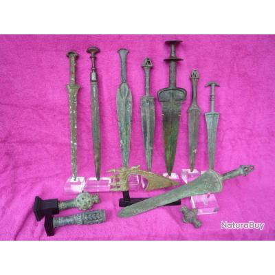 Collecton complette d'armes en bronze entre 2000 et 5000 ans du Luristan