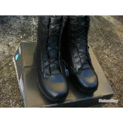 Chaussures Magnum Viper.  Chasse,  randonnée...  43