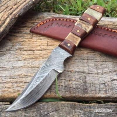 Couteau Damas Lame 256 Couches Manche Bois & Cerf Etui Cuir DM1109