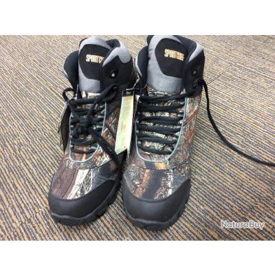 chaussure de chasse ou randonnée ,waterproof, couleur camouflage taille 47