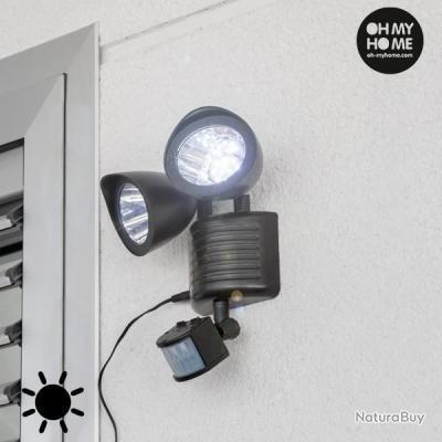 double lampe exterieur led solaire avec capteur de. Black Bedroom Furniture Sets. Home Design Ideas