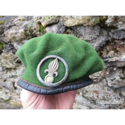beret vert legion avec insigne ancien