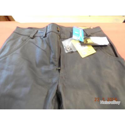 Verney-Carron, pantalon long en cuir marron,