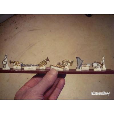 Série complète 10 fèves porcelaine instruments neuf