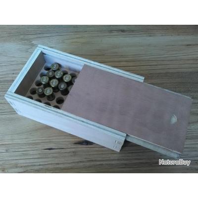 Boite a munition  pour calibre 44/40 et 45 Long Colt,cartouches papier, ou calibre au choix.