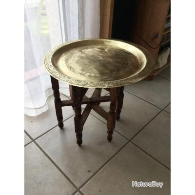 table basse marocaine ancienne luminaires et mobilier 4869888. Black Bedroom Furniture Sets. Home Design Ideas