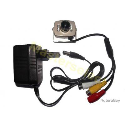 petite camera video filaire pour surveillance sortie rca couleur avec transformateur cam ras. Black Bedroom Furniture Sets. Home Design Ideas