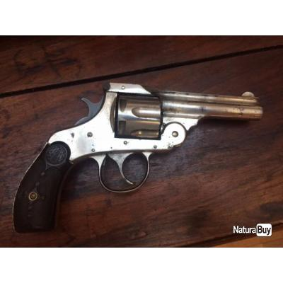 revolver US Américain Harrington & Richardson double action Cal .32 S&W ( Smith & Wesson) prix 1 eur