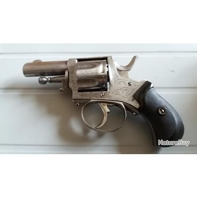 trés beau revolver calibre 320