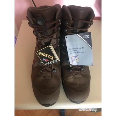 chaussues haix pointure 44 en GORTEX    (modèle haix Népal de combat  ( BAISSE DU PRIX )