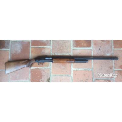 Fusil a pompe Mossberg 500 modifié réarmement linéaire catégorie C