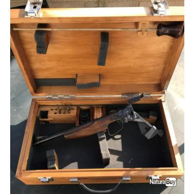 Pistolet BAIKAL TOZ 35 Cal .22lr dans sa mallette en bois.