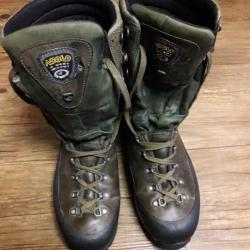 aebcd5af1db967 CHAUSSURES CHASSE, RANDONNEE OU MONTAGNE ASOLO - Chaussures (5355961)