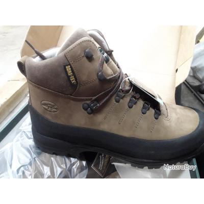 af573f6342 Chaussures de randonnée hautes hiver de la marque