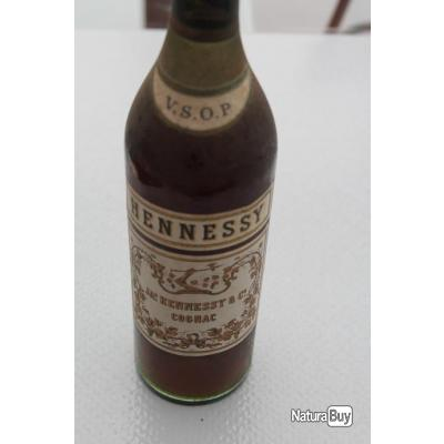 ANCIENNE BOUTEILLE COGNAC HENNESSY ANNEE 50 ENVIRON