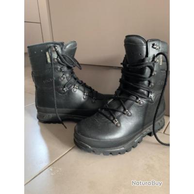 Chaussure militaire noire