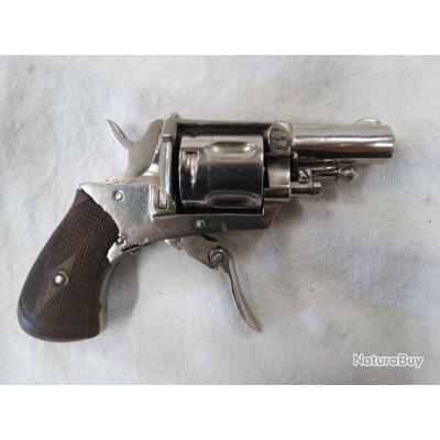 Revolver type Bull dog calibre 6.35. poudre noire à réparer