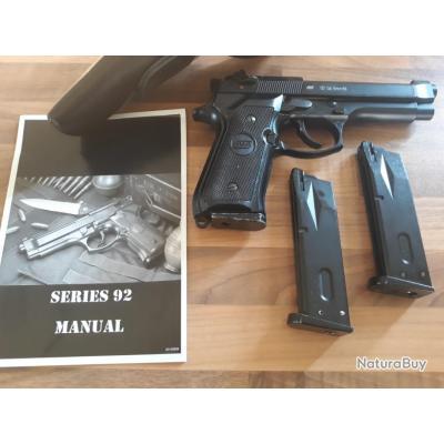 Airsoft pistolet  à billes 4,5mn replique du bereta.