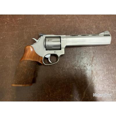 "Revolver Taurus 357 Mag 627 Tracker 6"""