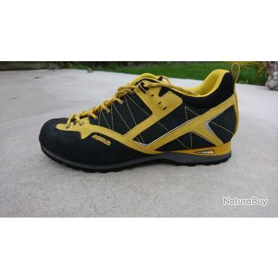 c06fc2ab3bfa56 Chaussures ASOLO taille 43 et demi, porté 1 fois excellent état comme neuf