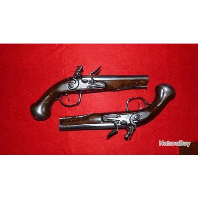 Paire de pistolets XVIIIéme SIGNES
