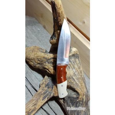 Poignard  Acier Inoxydable manche en bois et os  avec joli Etui EN CUIR a21