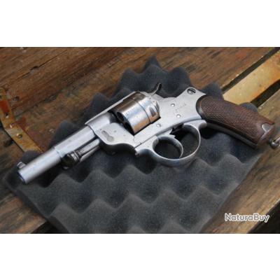 Revolver réglementaire M1873