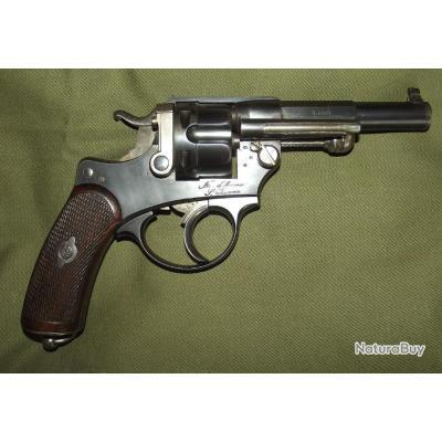 beau Revolver réglementaire 1874 pour officier